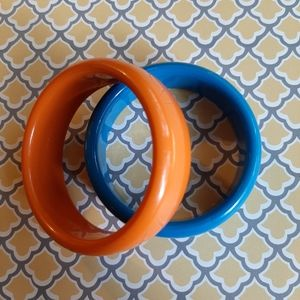 Set of two vintage lucite bangles